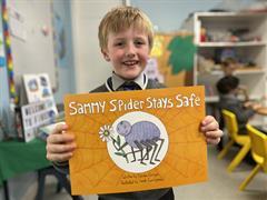 Sammy Spider Stays Safe