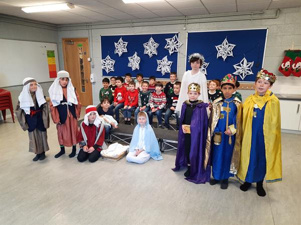 'When a Child is Born' Christmas Performance